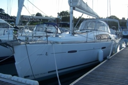 Beneteau Oceanis 40 for sale in France for €109,000 (£97,409)