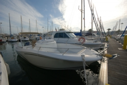 Jeanneau Cap Camarat 7.5 Cc for sale in France for €36,900 (£32,919)