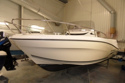 Jeanneau Cap Camarat 6.5 CC for sale in France for €36,500 (£32,562)