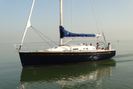 Beneteau First 36.7 for sale in Portugal for €75,000 (£65,914)