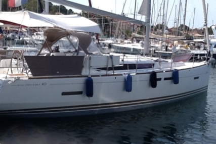 Jeanneau Sun Odyssey 409 for sale in France for €130,000 (£114,608)