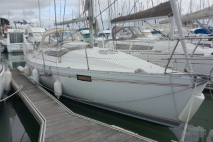 Beneteau Oceanis 320 for sale in France for €25,000 (£22,044)