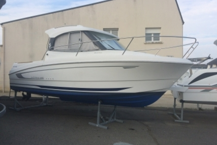 Beneteau Antares 680 HB for sale in France for €35,000 (£30,957)