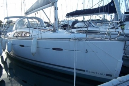 Beneteau Oceanis 40 for sale in France for €112,000 (£99,333)