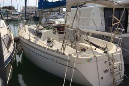 Jeanneau Attalia 32 for sale in France for €27,000 (£23,904)