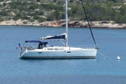 Jeanneau Sun Odyssey 42i for sale in France for €130,000 (£113,060)