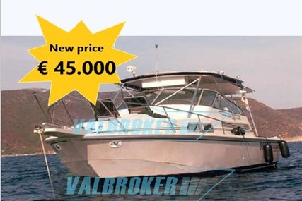 Boston Whaler 31 express for sale in Italy for €45,000 (£40,215)