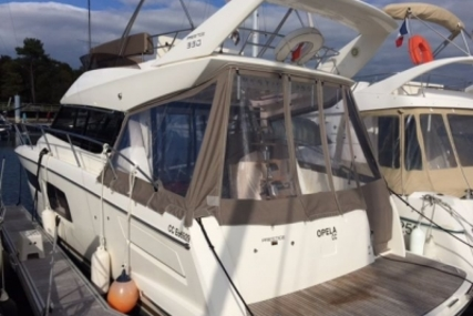 Prestige 350 for sale in France for €215,000 (£189,543)