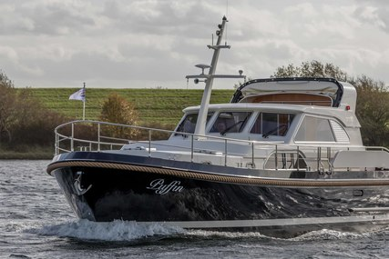 Linssen Range Cruiser 430 Sedan Variotop® for sale in Netherlands for €445,000 (£391,774)