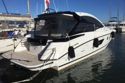 Beneteau Gran Turismo 40 for sale in France for €360,000 (£321,159)