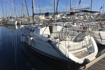 Jeanneau Sun Odyssey 36i for sale in France for €71,000 (£62,914)