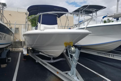 Boston Whaler 210 Dauntless for sale in United States of America for $69,900 (£50,073)