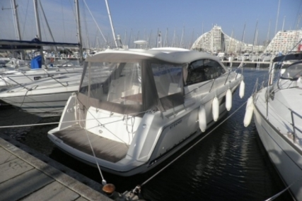 Jeanneau Leader 10 for sale in France for €130,000 (£115,297)