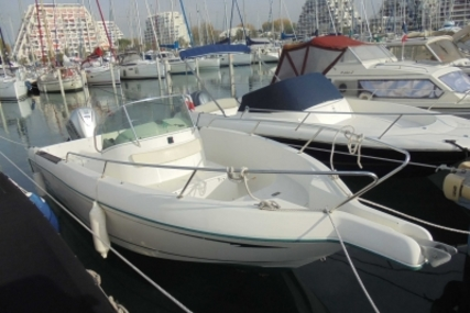 Jeanneau Cap Camarat 705 for sale in France for €15,000 (£13,267)