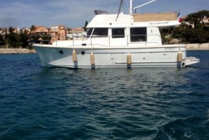 Beneteau Swift Trawler 34 for sale in France for €152,000 (£134,688)