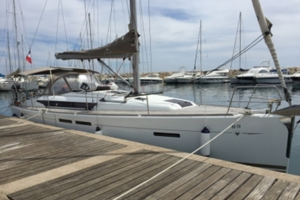 Jeanneau Sun Odyssey 409 for sale in France for €130,000 (£116,230)