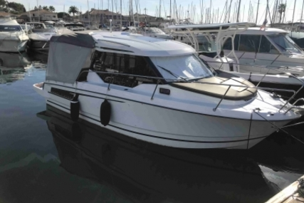 Jeanneau Merry Fisher 795 for sale in France for €63,900 (£56,123)
