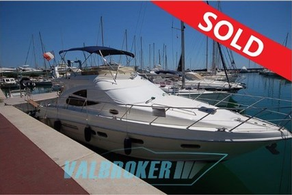 Sealine F 42/5 for sale in Italy for €195,000 (£172,946)