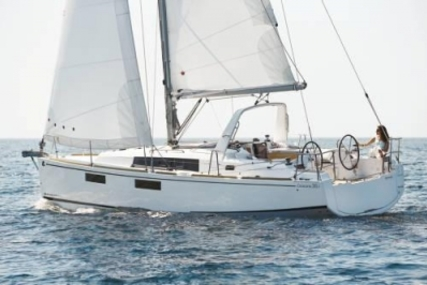 Beneteau Oceanis 35.1 for sale in United Kingdom for €153,900 (£136,494)