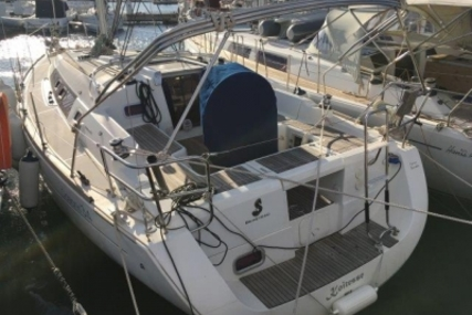 Beneteau Oceanis 34 for sale in France for €69,500 (£61,187)