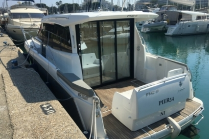 Jeanneau NC 9 for sale in France for €135,000 (£120,027)