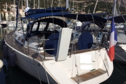 Dufour 425 Grand Large for sale in France for €125,000 (£110,558)