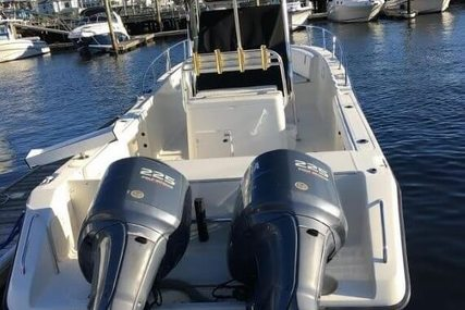 Pursuit C 2870 Center Console for sale in United States of America for $69,900 (£50,073)