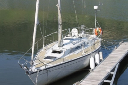 Dehler 34 TOP for sale in Portugal for €35,000 (£30,760)
