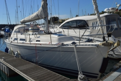 Hanse 341 for sale in Portugal for €55,000 (£48,270)