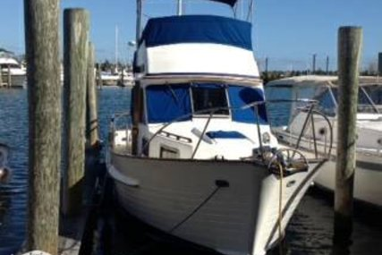 Island Gypsy 32 Sedan for sale in United States of America for $75,000 (£54,001)