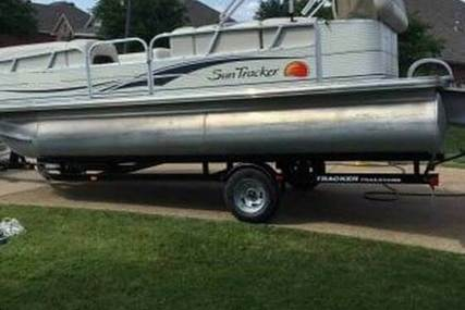 Tracker Party Barge 21 for sale in United States of America for 17.500 $ (12.536 £)