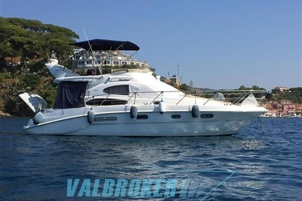 Sealine F37 for sale in Italy for €147,500 (£131,140)