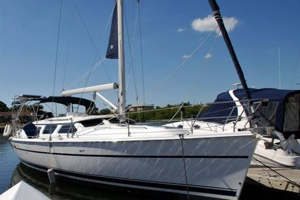 Hunter 426 DS for sale in United States of America for $150,000 (£106,775)