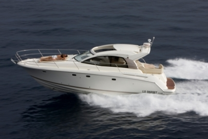 Prestige 390 S for sale in France for €179,000 (£156,868)