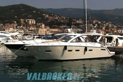 Sealine SC 35 for sale in France for €213,000 (£189,274)