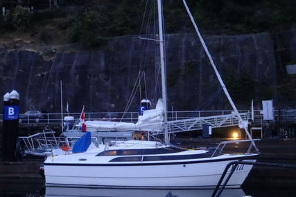 Macgregor 26M for sale in Canada for $30,000 (£22,703)