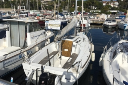 Beneteau First 21.7 for sale in France for €8,900 (£7,893)