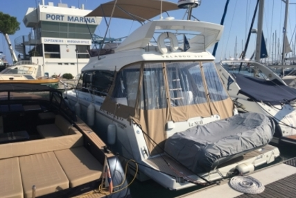 Jeanneau Velasco 37 F for sale in France for €269,000 (£234,119)