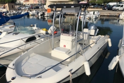 Bayliner 602 CC for sale in France for €22,000 (£19,412)