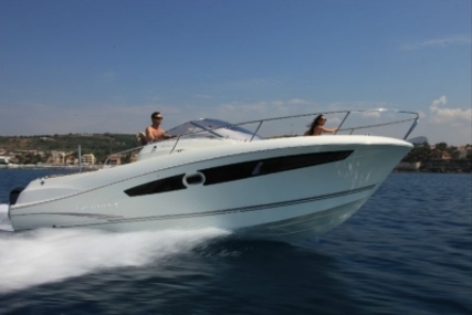 Jeanneau Cap Camarat 8.5 WA for sale in France for €98,000 (£87,130)