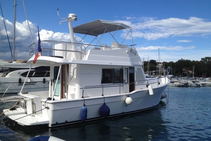 Mainship 395 for sale in France for €265,000 (£230,637)