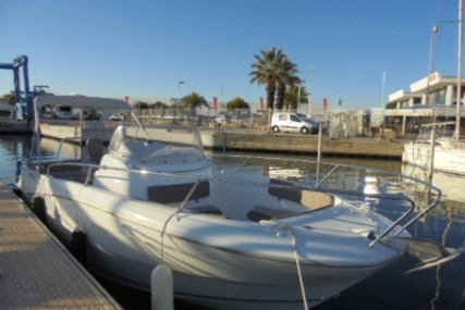 Jeanneau Cap Camarat 7.5 Cc for sale in France for €43,500 (£38,070)