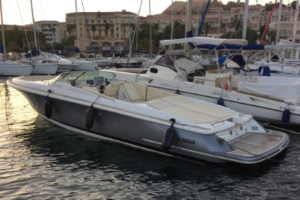 Chris-Craft 32 Launch for sale in France for €195,000 (£172,791)