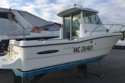 Beneteau Antares 620 Ib for sale in France for €16,000 (£14,151)