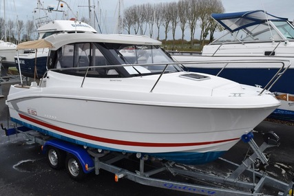 Beneteau Antares 6.80 for sale in France for €39,000 (£34,533)