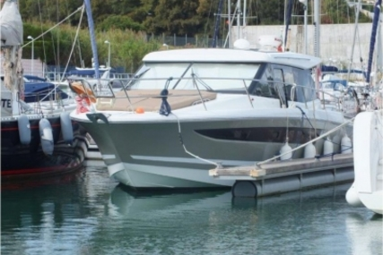 Jeanneau NC 11 for sale in Portugal for €200,000 (£180,450)