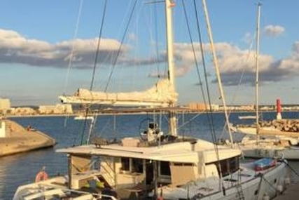 Lagoon 52 for sale in Spain for €750,000 (£660,165)