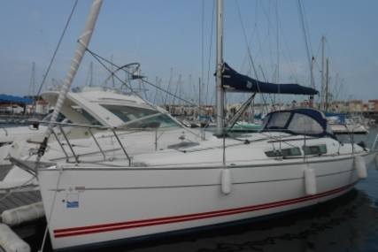 Jeanneau Sun Fast 32 I for sale in France for €48,000 (£42,065)