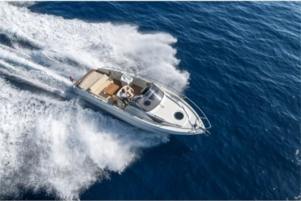 Cranchi Endurance 30 for sale in Portugal for €110,000 (£96,497)