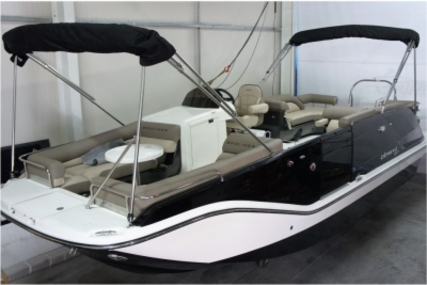 Bayliner XR7 Element for sale in Portugal for €55,404 (£48,861)